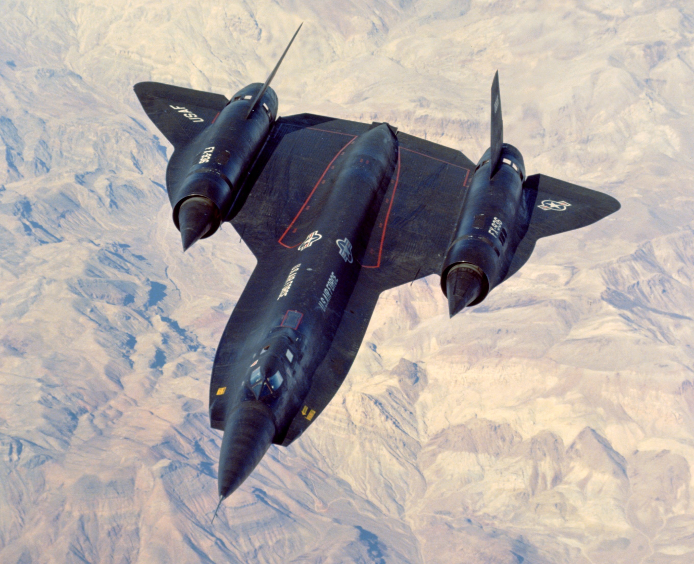 The nose chine and radome modification show up well in this view of a Lockheed YF-12A pulling up to the KC-135 tanker high over the Mojave Desert. (AFTC/HO) The Hughes ASG-18 was the most powerful aircraft radar system built at the time and a variant was eventually used in the F-14 Tomcat as the AWG-9/Phoenix missile sys-tem. (AFTC/HO)